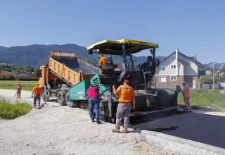 """Program asfaltiranja 5,5 km cesta """"težak"""" 3,07 milijuna kuna: Radovi u finalnoj fazi"""
