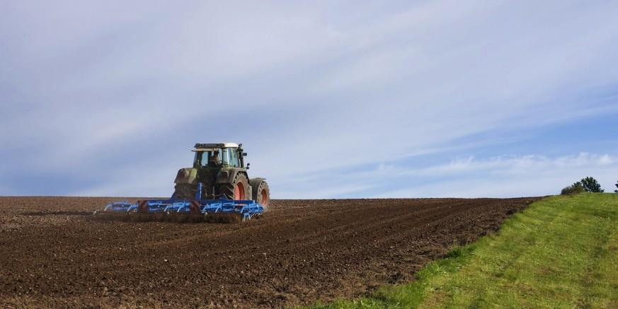 agricultural-machine-1918989_1280.jpg