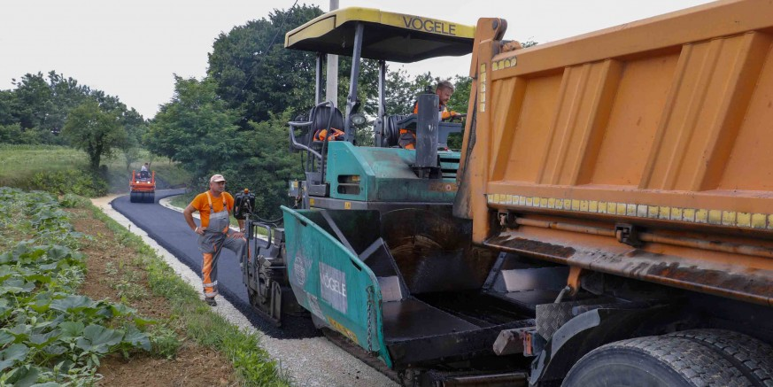 asfaltiranje2-bedenec-180620.jpg