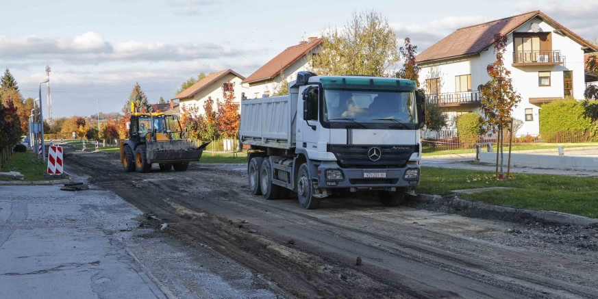 KAPITALNA INVESTICIJA Počeli radovi na rekonstrukciji ivanečke Kumičićeve ulice vrijedni 1,55 mil. kn