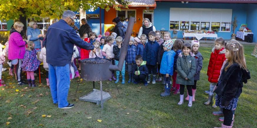 Vesela kestenijada u ivanečkom gradskom Dječjem vrtiću Ivančice